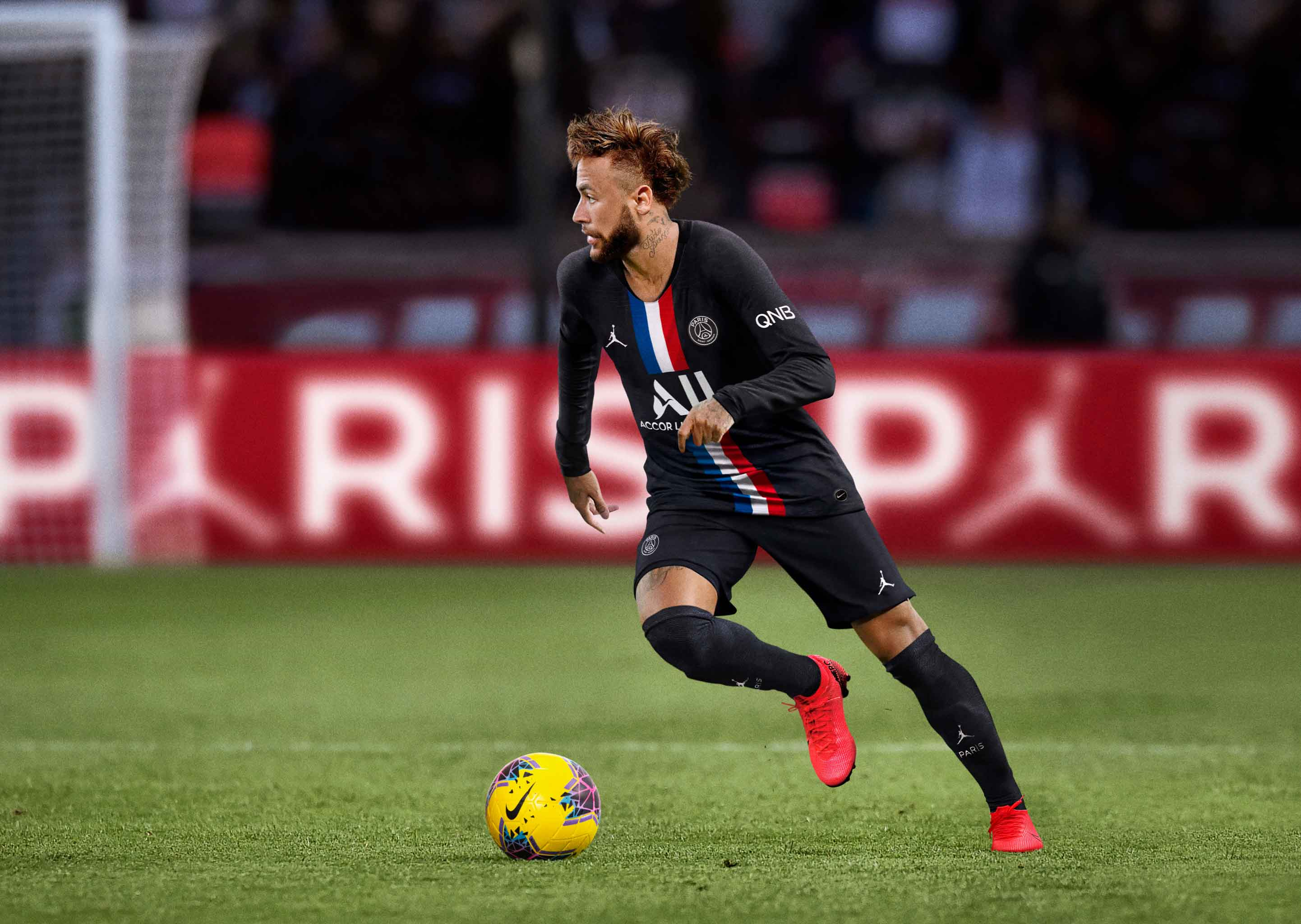 Neymar Jr con la nueva camiseta PSG y Jordan | Neymar Jr.