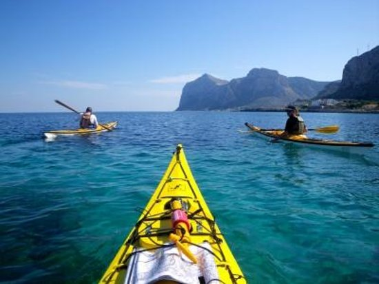 maremotu-sea-kayak-sicily