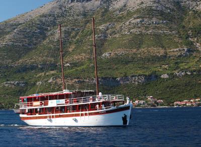 Plomin Classic Ensuite Boat