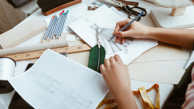 inside-the-fashion-design-process-from-briefs-to-assembly