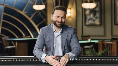 Daniel Negreanu at poker table