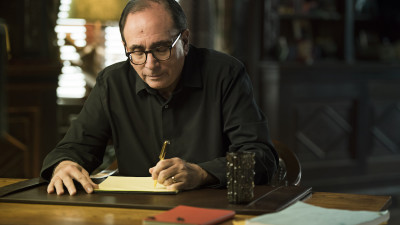 RL Stine writing at desk