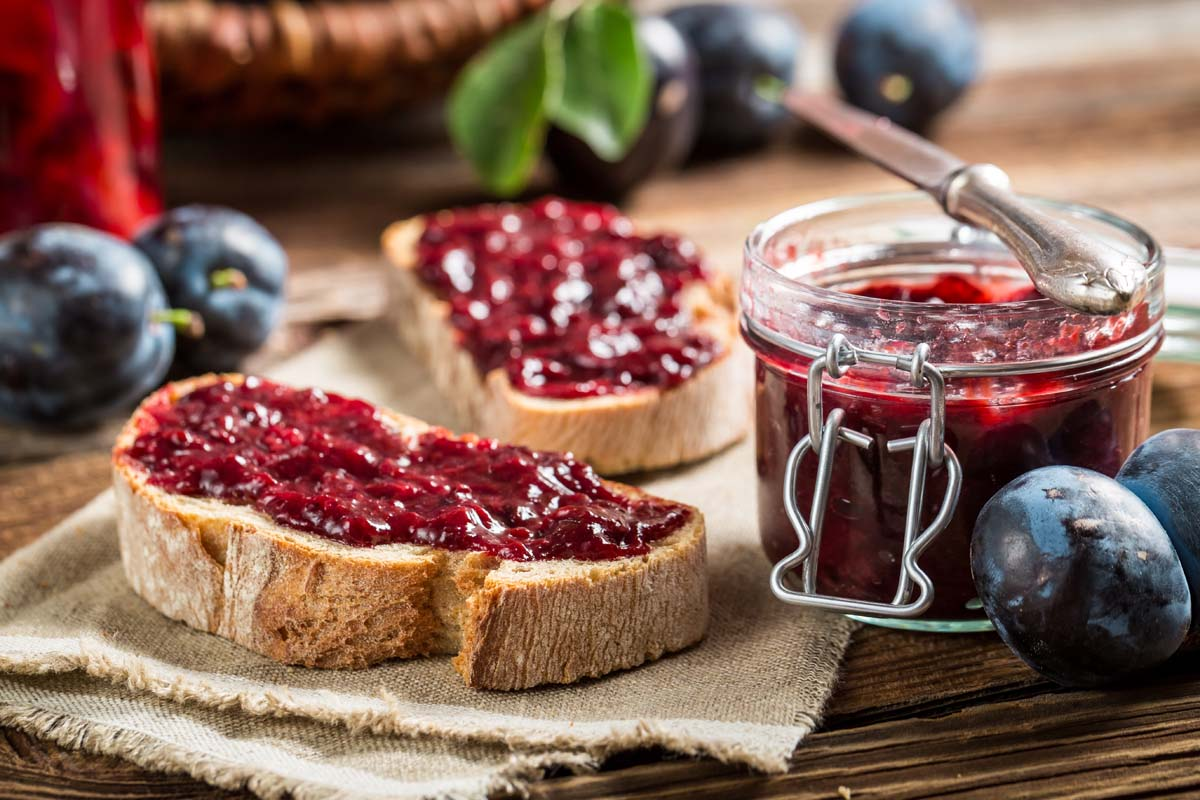 How To Make The Best Homemade Jam In 4 Steps Easy Berry Jam