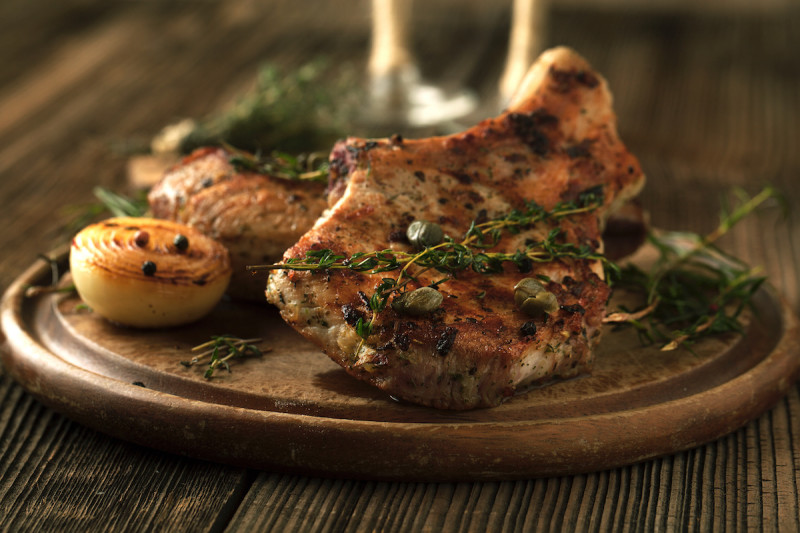 Easy Oven-Baked Pork Chops Recipe: How to Make and Serve Pork Chops
