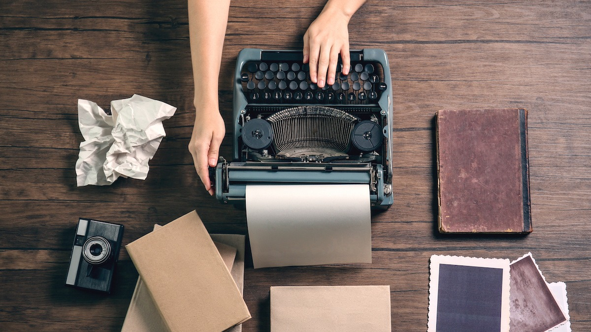 How to Write a Gripping Mystery Novel: 9 Mystery Writing Tips - 2020 -  MasterClass