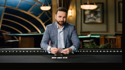 dn-daniel-negreanu-table