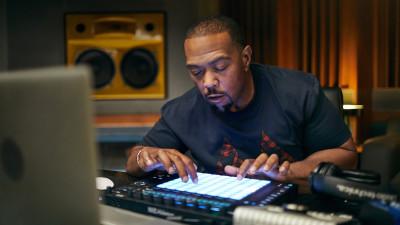 Timbaland making a beat