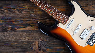 learn-how-to-play-natural-harmonics-on-guitar