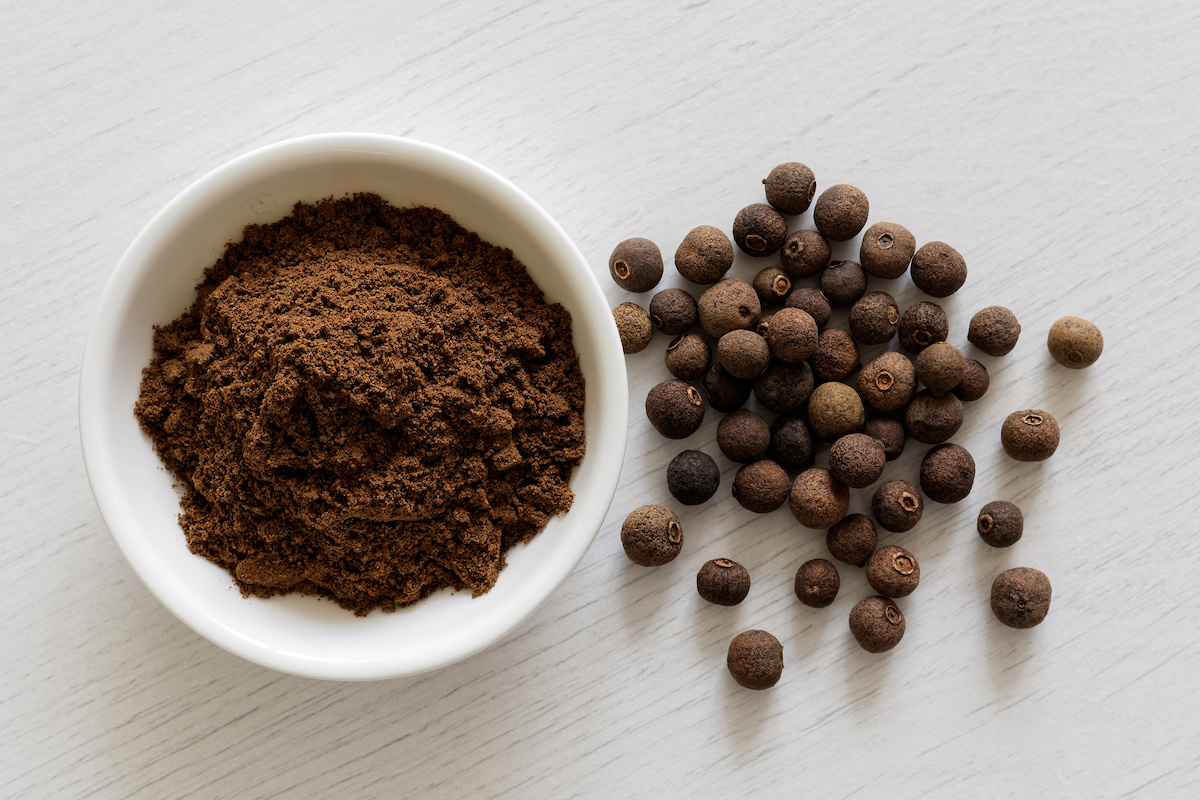 What Is Allspice? How to Cook With Allspice And Homemade Allspice  Substitute Recipe - 2020 - MasterClass