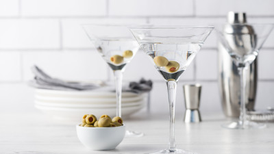 2 home made martinis with olives
