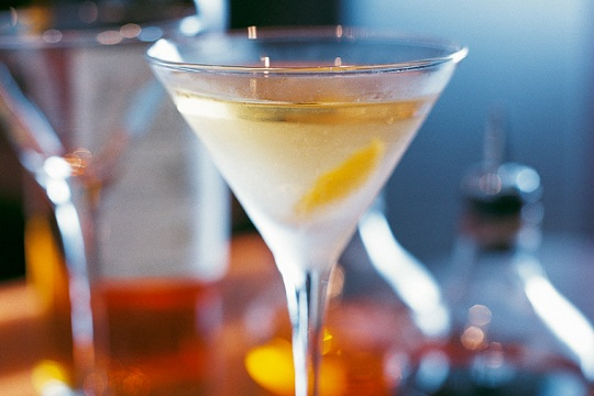 Smoky Lemon Martini from Leite's Culinaria photo by William Lingwood