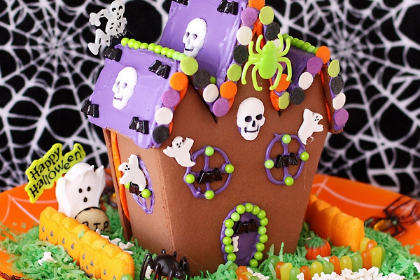 Haunted House by Christi @ Love from the Oven
