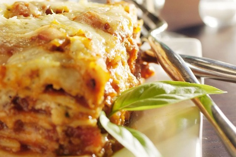Classic Ground Beef and Sausage Lasagna