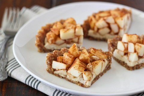 Raw Apple Cream Pie
