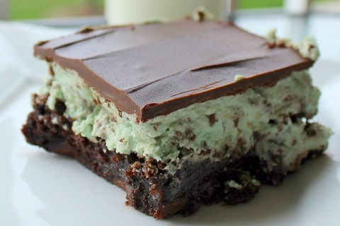 Ooey Gooey Mint Chocolate Chip Brownies