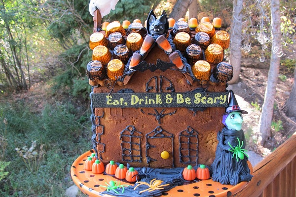 Eat, Drink, and Be Scary House by Purple Chocolate Home
