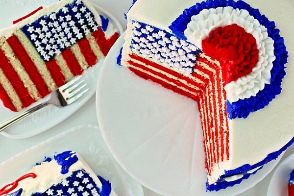 Fourth of July Flag Cake from Sugar Winzy