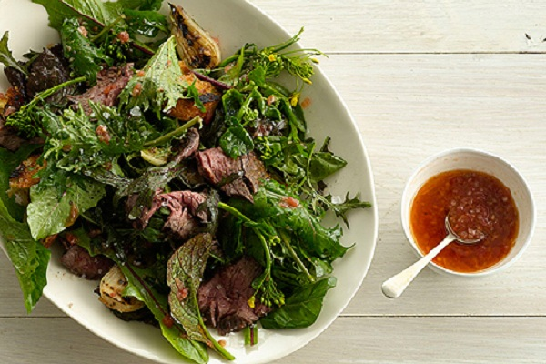 Grilled Steak Salad with Tomato Vinaigrette from Epicurious Photo by Romulo Yanes