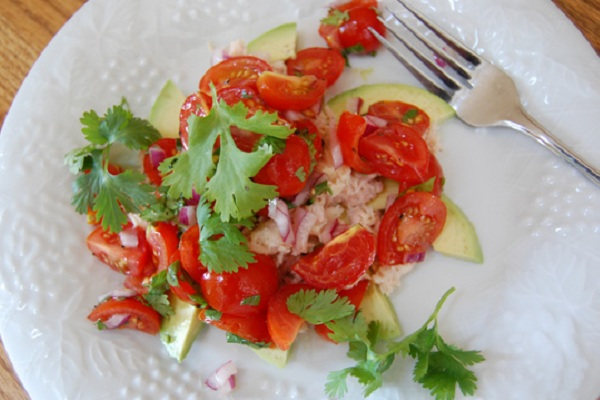 Summertime Tuna Tomato Salad from Eat at Home