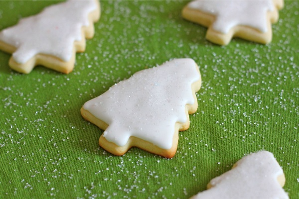 Christmas Tree Sugar Cookies with Royal Icing from I Adore Food