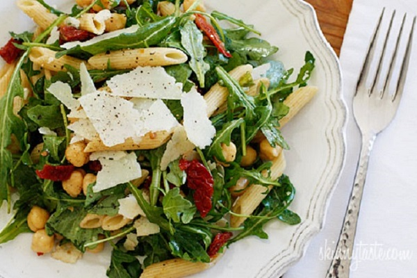 Arugula Salad with Penne, Garbanzo Beans and Sun Dried Tomatoes from Skinnytaste