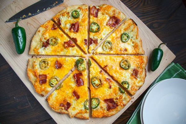 Jalapeno Popper Pizza from Closet Cooking