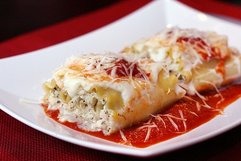 Chicken Pesto Lasagna Roll-Ups