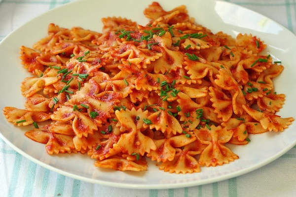 Hot or Cold Roasted Red Pepper Farfalle Salad from Rock Recipes