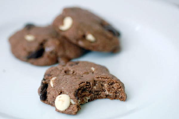 Triple Chocolate Chip Cookies from Elana's Pantry