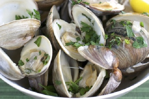 Creamy Clams in Pale Ale Sauce