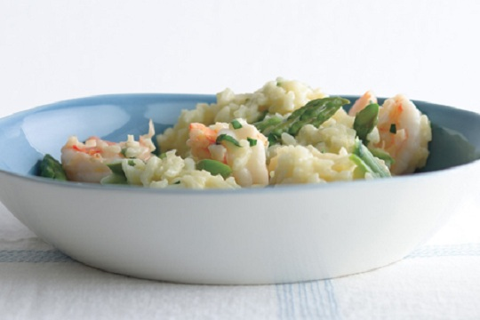 Lemony Risotto with Asparagus and Shrimp from Epicurious Photo by Romulo Yanes