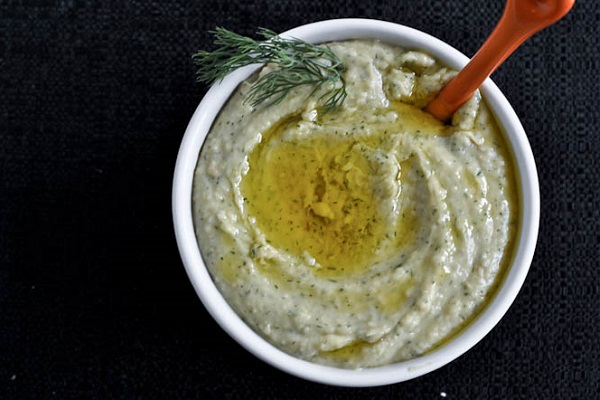 Roasted Garlic and Dill White Bean Dip from How Sweet It Is