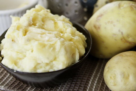 Light and Fluffy Mashed Potatoes