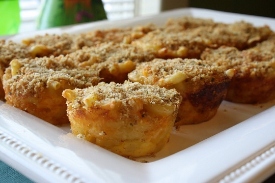 Baked Macaroni and Cheese Cupcakes