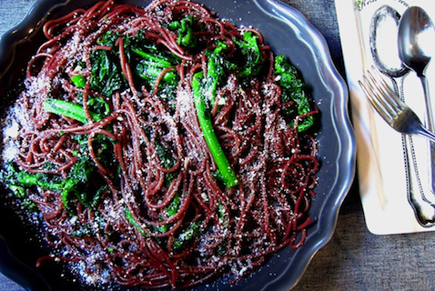 Red Wine Spaghetti with Spicy Rapini