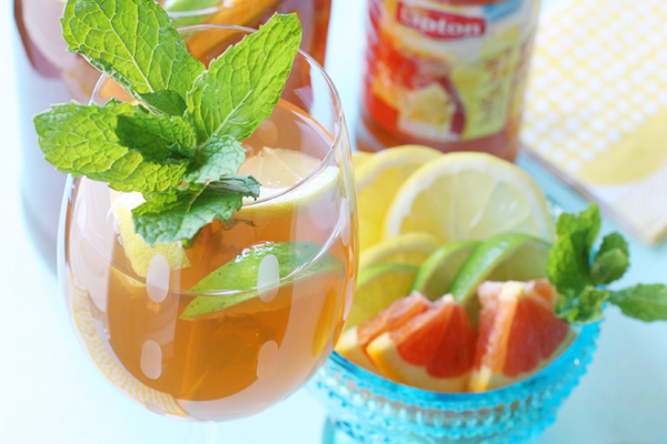 Citrus Iced Tea Sangria from Pizzazzerie