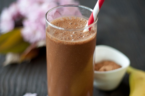 Banana-Chocolate Snack Smoothie
