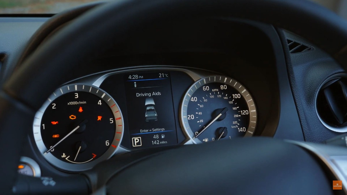 Nissan Navara Driver Display
