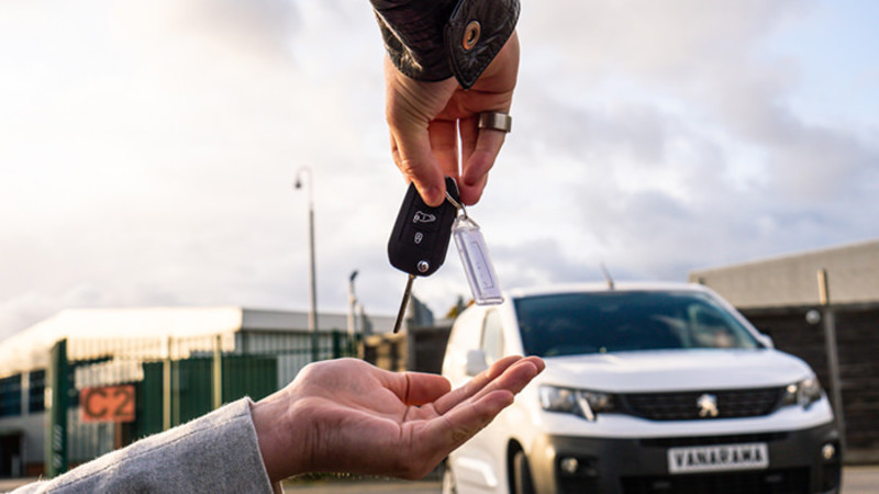 returning the keys of a van at the end of a lease