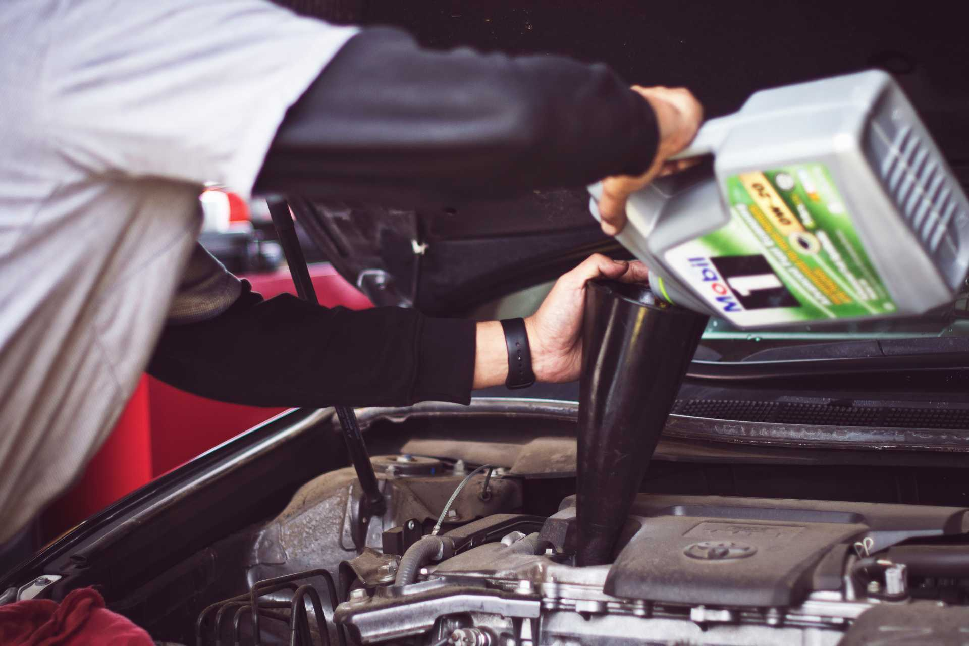 How Servicing Your Leased Car Can Save You Money