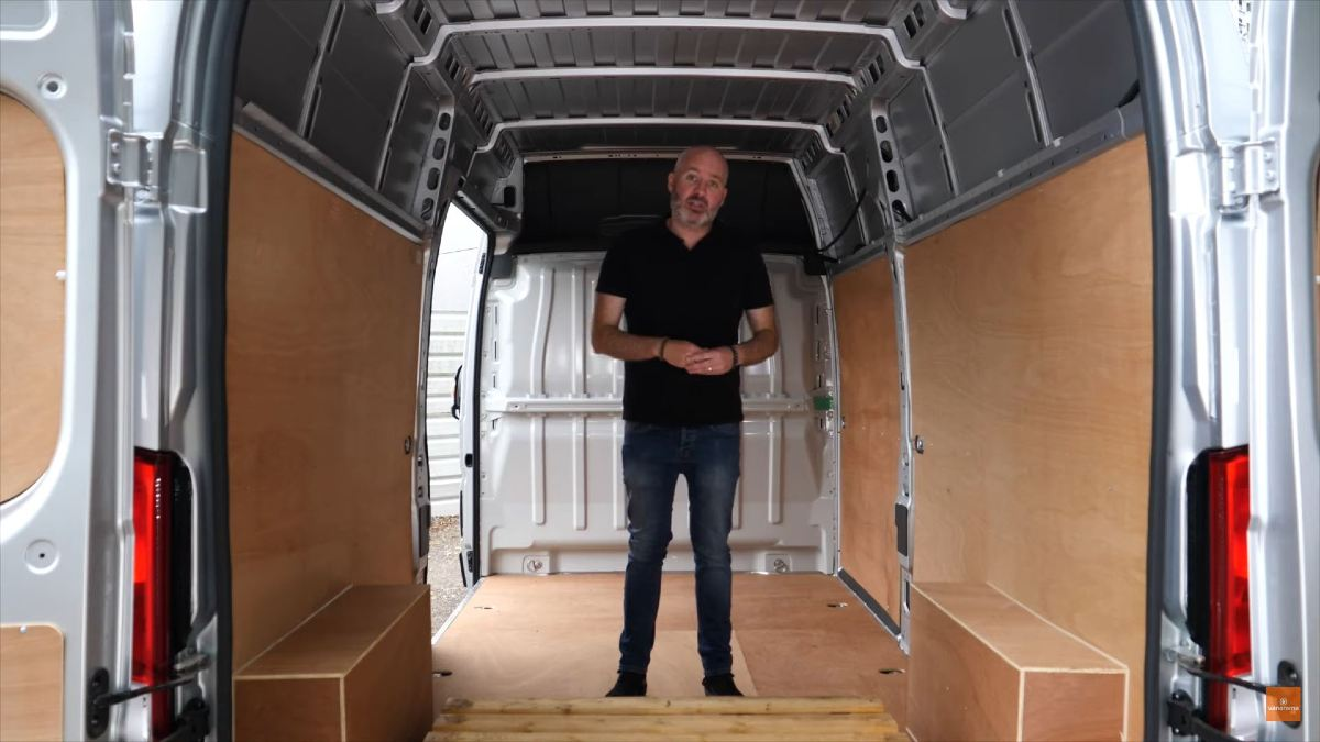 Can a van's load space be customised?