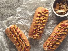American-style Hot Dog