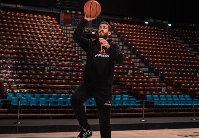 More than pics: Sergio Rodriguez x adidas Harden vol. 5