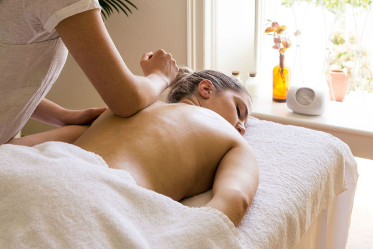 casa-mae-spa-lagos-massage