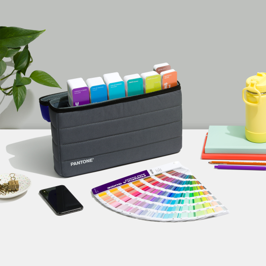 Pantone-portable-guide-studio