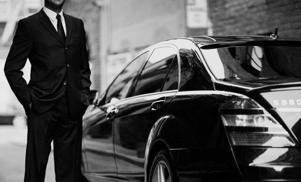8 Mobil Terbaik untuk Taxi Online