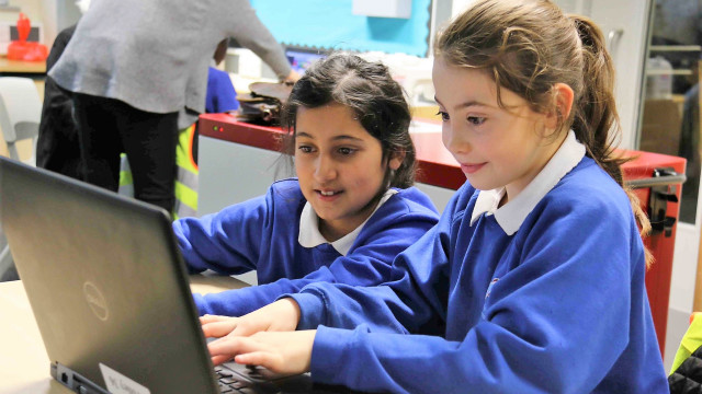 Digital Schoolhouse: Computing through play