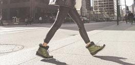 woman walking in sorel boots