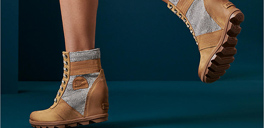 lady wearing sorel boots