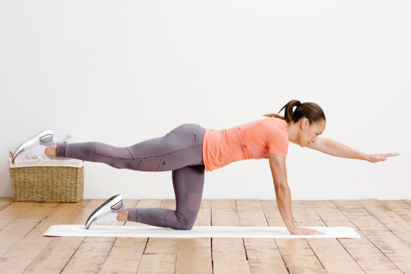 Jessica Ennis-Hill doing a plank workout